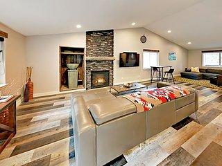 Beautiful Bend Getaway w/ Remodeled Kitchen & New Hot Tub