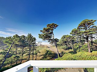 Oceanfront Oasis with Stunning Vistas | Direct Access to Gleneden Beach