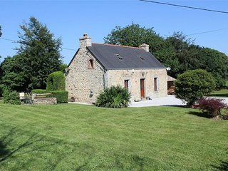 3 Bed Stone Cottage in beautiful countryside with 2 acres of land to relax