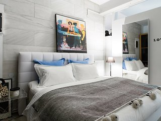 Kolonaki ArtGallery Converted Deluxe Loft with Atrium