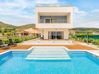 3 bedroom Villa in Donji Seget, Croatia - 5741245