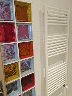 Sèche-serviette dans chaque chambre