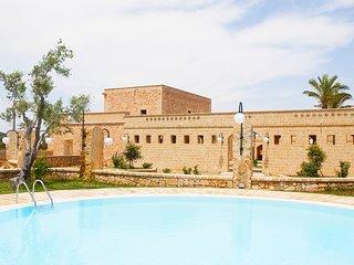 Room in Farmhouse with pool and restaurant, Salento, Puglia, sea