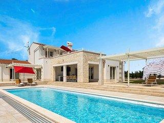 5 bedroom Villa in Režanci, Istria, Croatia : ref 5741252