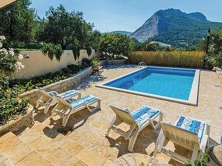 3 bedroom Villa in Korešnica, Splitsko-Dalmatinska Županija, Croatia : ref 57412
