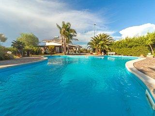 Villa Lusso con Piscina - Villa Diamante