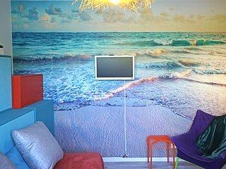 *POP *studio vitaminé, lumineux, près plage, parking privé, WI FI