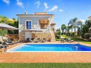 4 bedroom Villa in Vale Formoso, Faro, Portugal - 5741282
