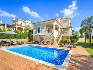 4 bedroom Villa in Vale Formoso, Faro, Portugal - 5741265