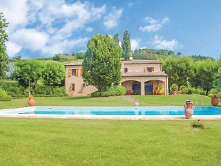 5 bedroom Villa in Vagli, The Marches, Italy : ref 5741241