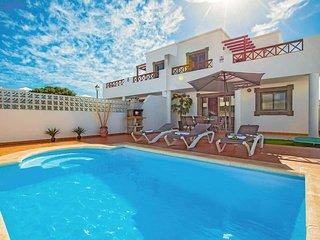 3 bedroom Villa in Playa Blanca, Canary Islands, Spain - 5741264