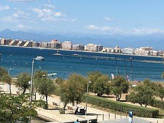 Luxueux Apt.100m2,vue mer féerique,1ere ligne ,terrasse,,garage,climatisation
