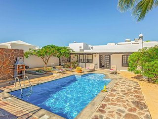 3 bedroom Villa in Puerto del Carmen, Canary Islands, Spain - 5741217