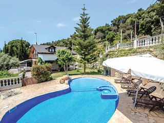 3 bedroom Villa in Sant Cebria de Vallalta, Catalonia, Spain - 5741224