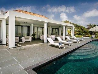 HOPE ESTATE...4 BR Deluxe Villa Overlooking Orient Bay
