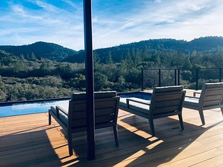 Stylish 'Modsita' Guest House: 'The Best Views in Calistoga!'