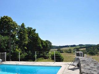 Location au coeur de la Correze en pleine nature avec piscine