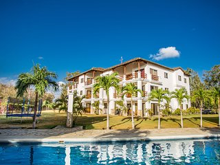 Golf Condo F1-B2: Nice view and access to the largest pool in Hacienda Iguana!