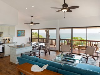 Casa Carolina - Luxurious Beach Bungalow close to beach and amenities