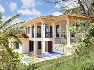 Casa Alegre, gorgeous villa just minutes from Rancho Santana clubhouse!