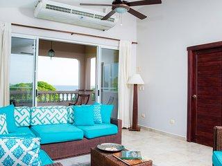 Rio Dulce V-13: Oceanview Penthouse