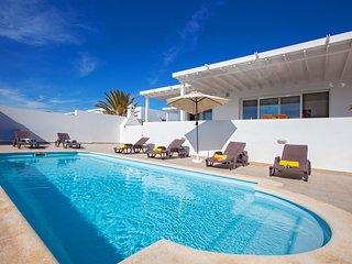 Captains Retreat - Private Villa in exclusive Puerto Calero Marina