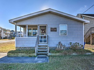NEW! Nags Head Cottage w/ Deck - 1 Block to Beach!