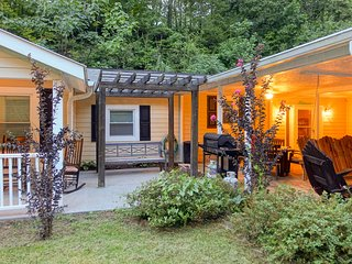 NEW! Pigeon Forge Cabin w/Priv. Pool by Dollywood!