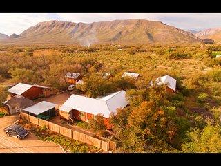 Eden Overnight Cabin (2 BR House)