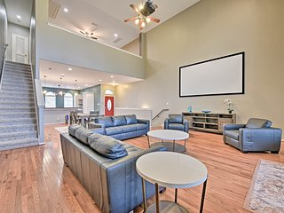 EaDo Houston Townhome Near G.B. Conv. Center!