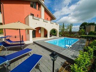 Casa Umbria - luxury villa, private pool, sleeps 4-6