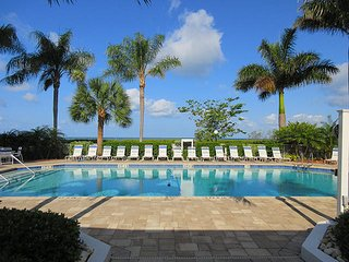 Estero Beach & Tennis 701A - Free WiFi, Resort Pool & Beach Access