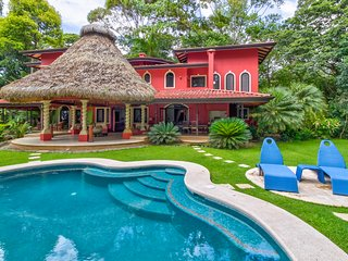Beautiful villa with private pool, ocean views & gorgeous grounds near beaches!