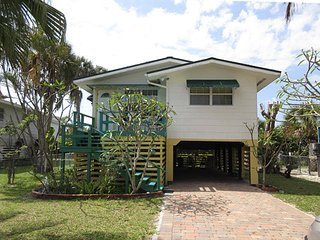 135 Coconut Dr