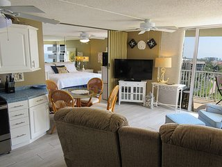 Estero Beach & Tennis 701B - Free WiFi, Resort Pool & Beach Access