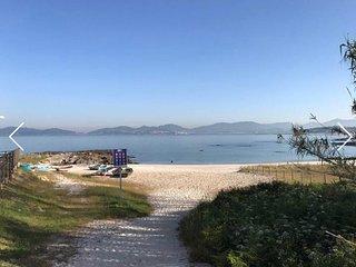 Chalet al lado de la playa mas bonita de vigo