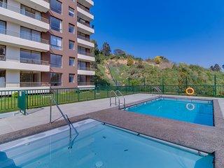 Depto. con tranquila ubicación y piscina - Family apt. w/ quiet location & pool