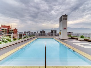 Depto. amplio con servicios compartidos - Large apartment with shared amenities