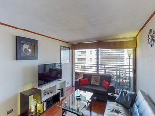 Depto c/ ubicacion central y piscina - Apt w/ central location and shared pool