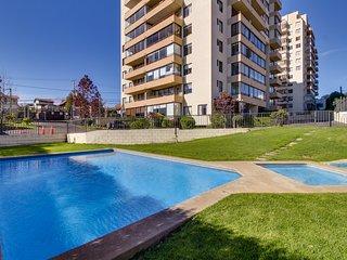 Depto con vista a la bahia y piscina de temporada  - Apt with bay views and pool