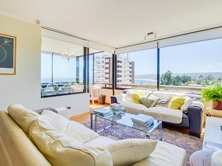 Depto con bella vista al mar y piscina - Apt with beautiful ocean view and pool