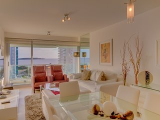 Hermoso apto c/ vista al mar y piscina compartida- Beautiful apt w/ ocean view