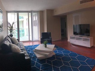 Glamorous Apartment  in Hollywood Beach - Bayview