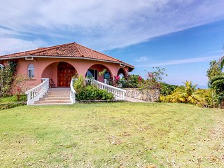 Hilltop villa w/ balcony & incredible sea/mountain views - 1 mile to the beach!