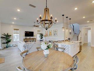 Prominence on 30A ☀ The Sunshine Shack ☀ Beach House Rental