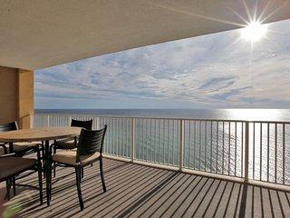 Tropic Winds Resort 2005 - FREE BEACH SERVICE IN SEASON!