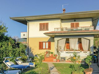 3 bedroom Villa in Capanne-Prato-Cinquale, Tuscany, Italy - 5741532