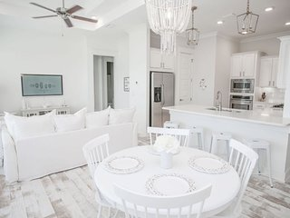 Prominence on 30A ♥ Be Still My Soul ♥ Pet Friendly Beach Townhouse!
