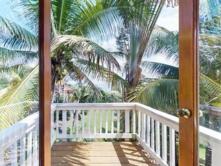 Charming, waterfront island house with shared pool and ocean views!