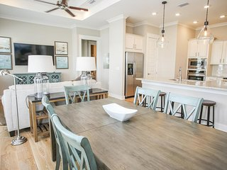 Prominence on 30A ✳ Born To Sun ✳ Beautiful Pet Friendly!